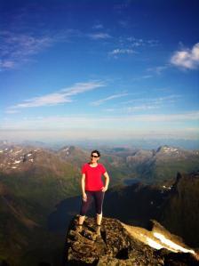 SOMMERKROPPEN 2016: Neste år er målet mitt at kroppen min igjen skal kunne ta meg opp på fjelltopper, som her for et par år siden på Møysalen i Vesterålen.
